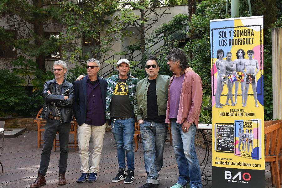 Ariel Rot, Germán Vilella, Kike Turrón, Andrés Calamaro y Kike Babas.